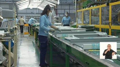 Alberto Fernández encabezó el anuncio de inversiones en el complejo industrial Visuar