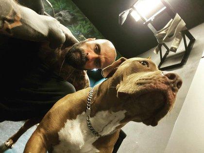 Babo denunció el 11 de marzo de 2021 que había sido asaltado; le arrebataron a su perro (Foto: Instagram@babo_cartel)