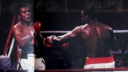 Una de las postales de la pelea de Alí vs. Holmes (Crédito: Archivo de El Grafico de Maximiliano Roldán)
