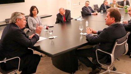 Sergio Nardelli, al lado del presidente Alberto Fernández, durante la reunión en Olivos en junio pasado (PRESIDENCIA)