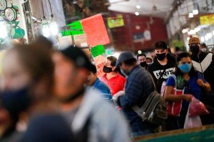 La Central de Abasto también representa un punto de posible contagio de COVID-19 (Foto: REUTERS / Carlos Jasso)