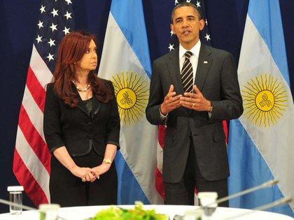 Cristina Kirchner y Barack Obama durante la reunión que mantuvieron en Cannes en 2011 / Télam