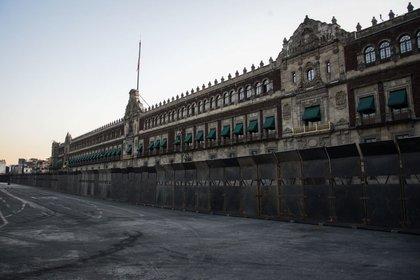 El Palacio Nacional fue rodeado con vallas en vísperas de las manifestaciones del 8 de marzo (Foto: Mario Jasso/cuartoscuro)
