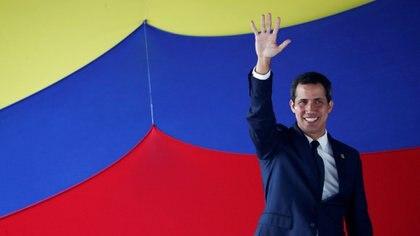 Juan Guaidó, nombrado presidente interino de Venezuela por la Asamblea Nacional, apoya las sanciones de Estados Unidos pero mantiene a sus representantes en Barbados (Reuters)