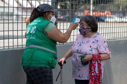 Los vacunadores laboraron horas extra para cubrir la demanda (Foto: Cuartoscuro)