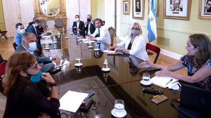 La reunión de Santiago Cafiero junto a integrantes de la organización Amnistía Internacional