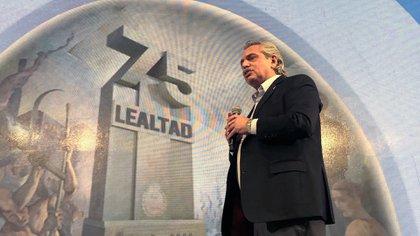 El presidente Alberto Fernández durante el acto oficial en la CGT por el Día de la Lealtad. (Presidencia)