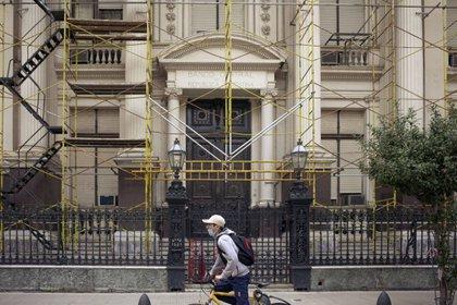 Ante la disparada de los dólares paralelos en la City, el Banco Central había suspendido a casi 20.000 personas para operar en cambios