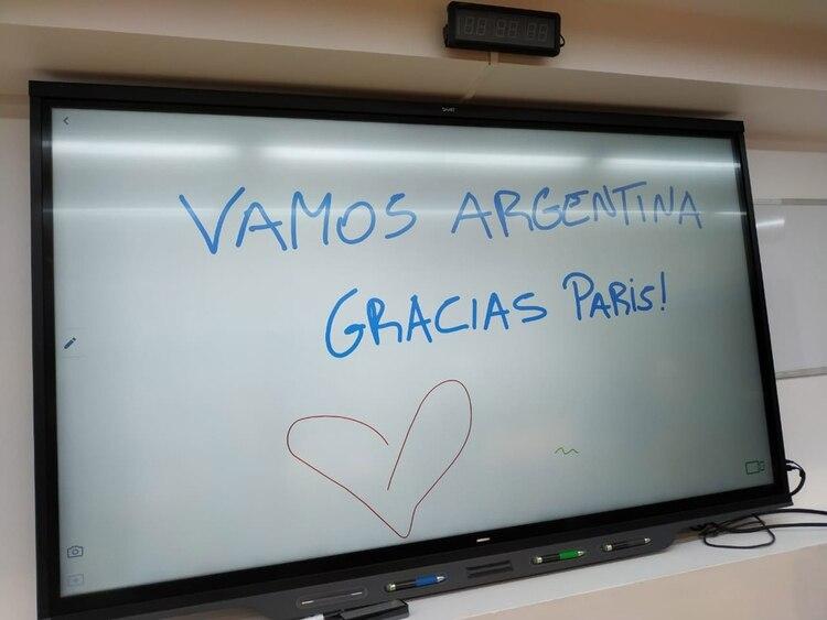 El mensaje que dejaron las argentinas en el pizarrón