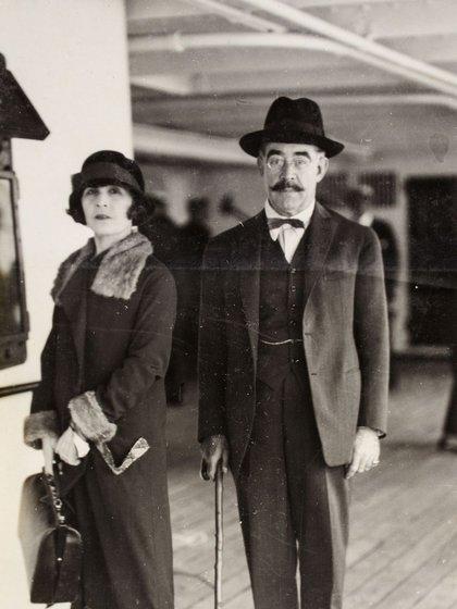 Leopoldo Lugones y su esposa Juana Agudelo