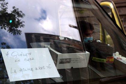 El mensaje en una ambulancia del Hospital La Princesa en Madrid (Reuters)