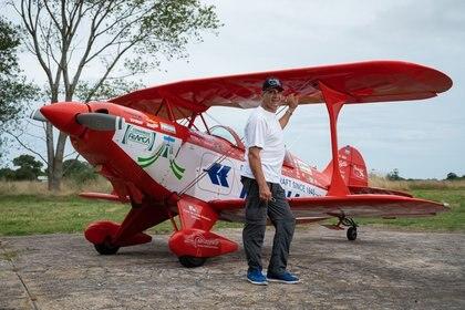 """""""Me gusta sentir cómo se agarra el avión en el aire como si fuera un pájaro"""" (Diego Medina)"""