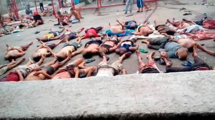 El régimen informó que hay por lo menos 75 heridos aunque no se detalló su estado (Fotos: Infobae)