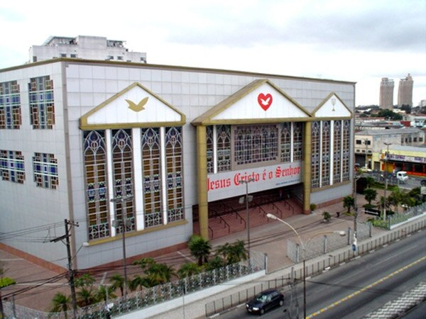 Resultado de imagen para Iglesia Universal del Reino de Dios brasil