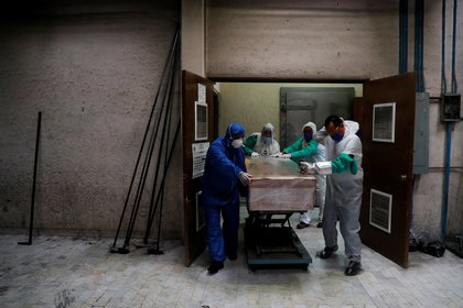 México rebasó a Irán y Alemania en números de  muertes por COVID-19 (Foto: Reuters/Carlos Jasso)