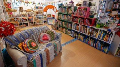 El proyecto empezó con los 200 libros que Paula tenía en su casa y hoy cuenta con más de 8000 socios y 17 mil libros en su inventario
