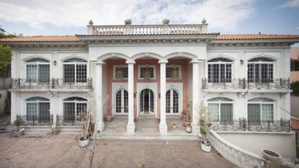 En 2012, vecino de la colonia Lomas de Chapultepec, encabezados por Trinidad Belaunzarán, dijeron que la mansión era utilizada como oficina (Foto: Archivo)
