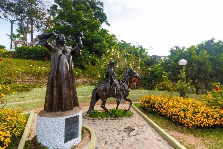 Estatua homenaje a Chabuca Grande en Barranco, Lima (Shutterstock)