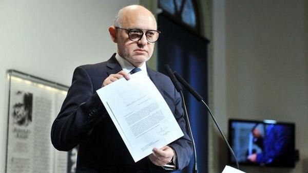 Héctor Timerman muestra a la prensa el Pacto con Irán