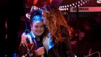 """En el concierto online de la cantante, cantó junto a su hija, Lucerito Mijares, la canción """"Gloria a ti"""" (Foto: Captura de pantalla)"""