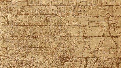 Los jeroglíficos son un sistema de escritura formado por unos 5000 ideogramas, que data del año 3100 antes de Cristo