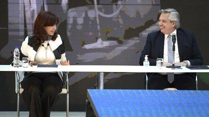 Alberto Fernández junto a Cristina Kirchner, al anunciar el acuerdo con los acreedores externos.