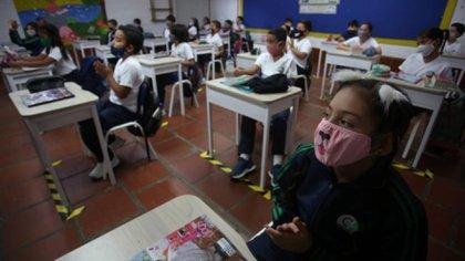 La presencialidad en las aulas es otro gran problema en medio de la pandemia