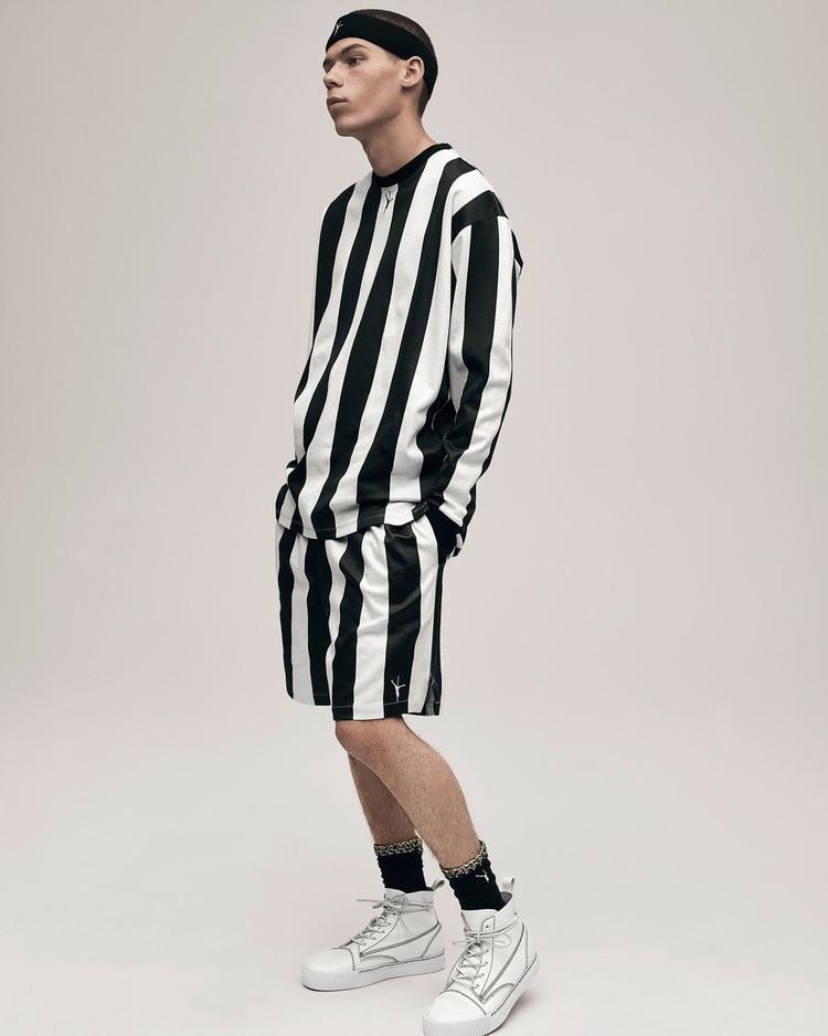 Shorts con medias  la moda masculina que ya conquista las calles ... 2849a32ab92