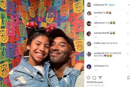 Kobe Bryant en compañía de su hija Gianna, quien también falleció en el accidente aéreo (Foto: Instagram)