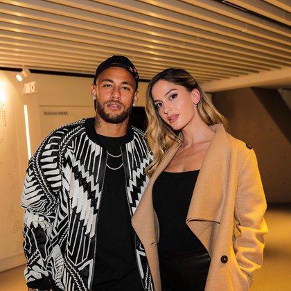 Neymar y Natalia (neymarjr)