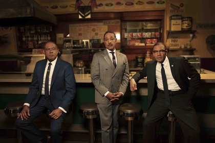 "Forest Whitaker, Giancarlo Espósito y Nigél Thatch en ""Godfather of Harlem"""