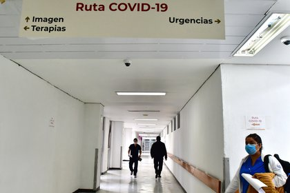 El IMSS anunció la reprogramación de cirugías y consultas tras el inicio de la pandemia de coronavirus. (Foto: Jorge Núñez/EFE)