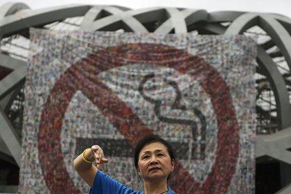Fumar en los lugares donde está prohibido baja el puntaje según el sistema de crédito social. (AP)