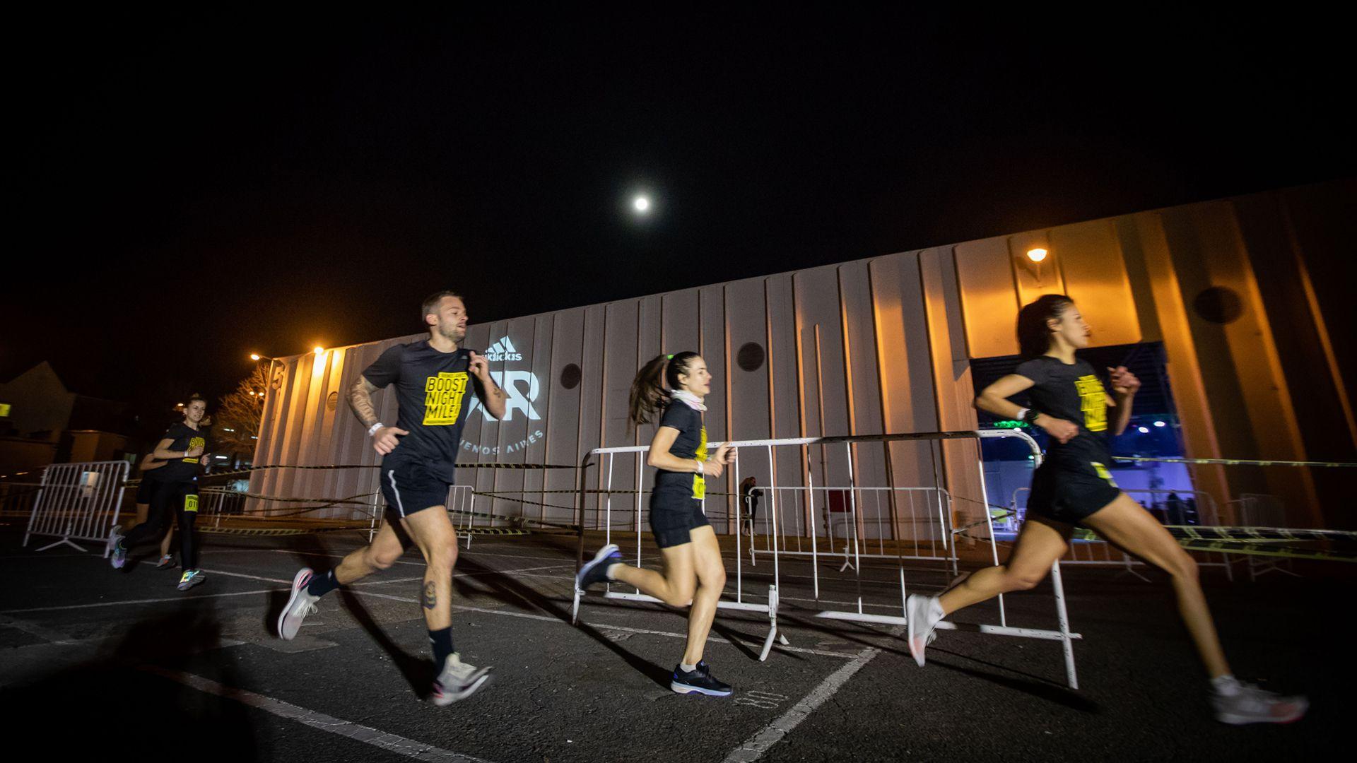 En Costa Salguero tuvo lugar la competencia local de la Boost Night Mile de adidas Running por un pasaje a la Boost Run San Pablo, a realizarse el próximo 6 de octubre