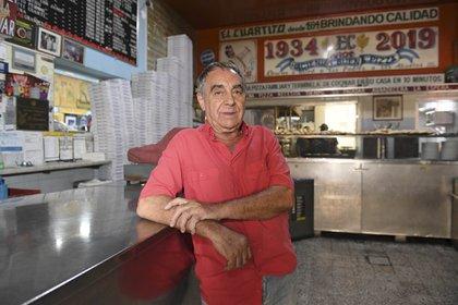 Manuel Diz, español, uno de los socios de El Cuartito desde 1970.