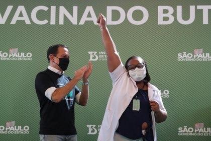 Primera vacunación en San Pablo (Reuters)