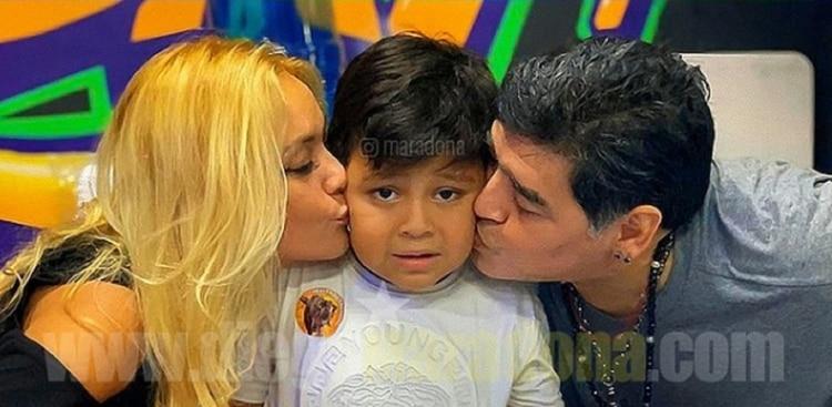 Verónica Ojeda y Diego Maradona se unieron para festejar el cumple de Dieguito Fernando (Foto: Instagram)