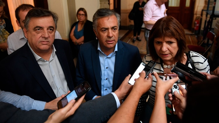 Mario Negri, Alfredo Cornejo y Patricia Bullrich