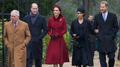 Los duques de Sussex junto con el príncipe Carlos de Inglaterra y los duques de Cambridge