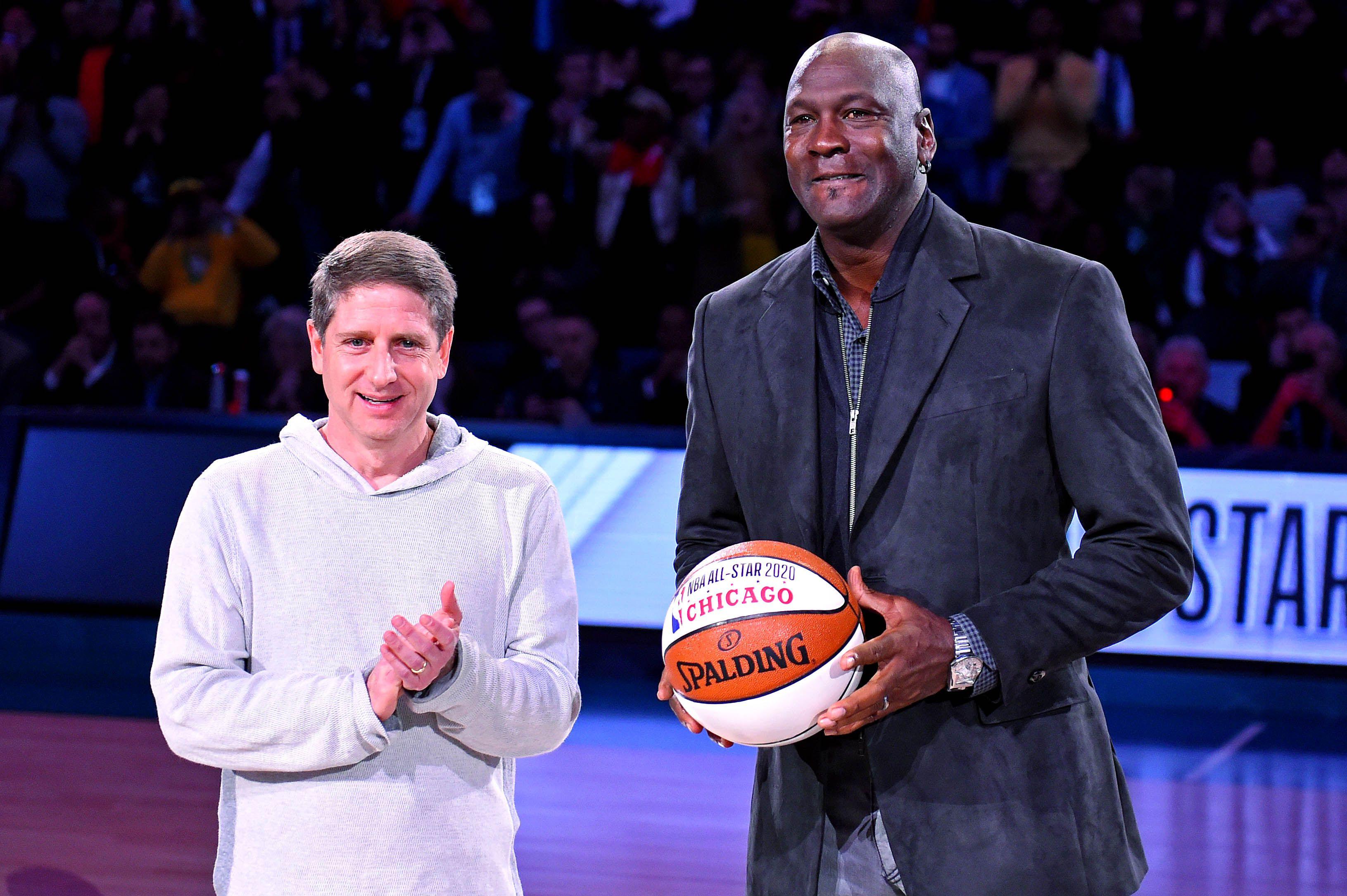 El ex basquetbolista continúa ligado a la NBA al ser dueño de la franquicia de Charlotte