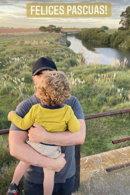 Germán con uno de sus hijos
