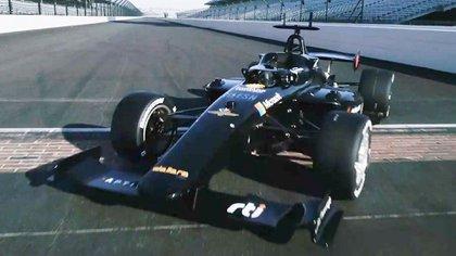 Con un chasis de automóvil de carreras diseñado por la compañía italiana Dallara, le sumarán sensores y controles, lo que le permitirá operar de forma autónoma.