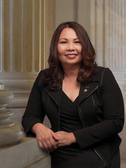 La veterana de guerra Tammy Duckwort también es candidata a conducir el Pentágono (Foto: Wikipedia)