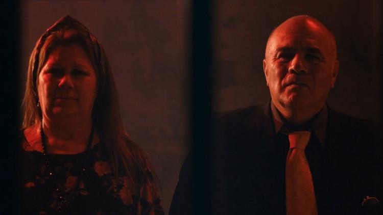 Arreglados para la toma: Luis Valor y su esposa Nancy fueron elegidos para participar del video de Calamaro