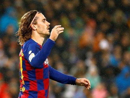 Soccer Football - La Liga Santander - Real Madrid v Barcelona - Santiago Bernabeu, Madrid, Spain - March 1, 2020  Barcelona's Antoine Griezmann reacts  REUTERS/Juan Medina