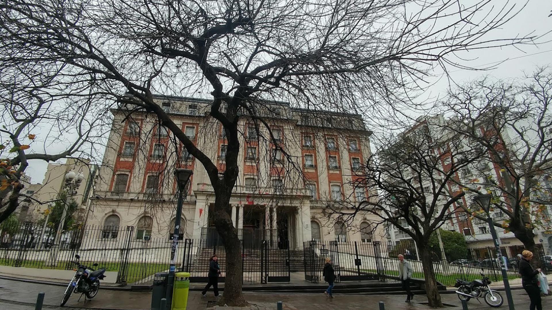 Fachada del Tribunal Federal de La Plata