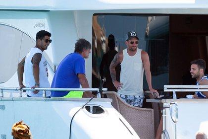 Lionel Messi juntocon sus amigos Luis Suárez, Pepe Costa y Cesc Fábregas (Grosby)