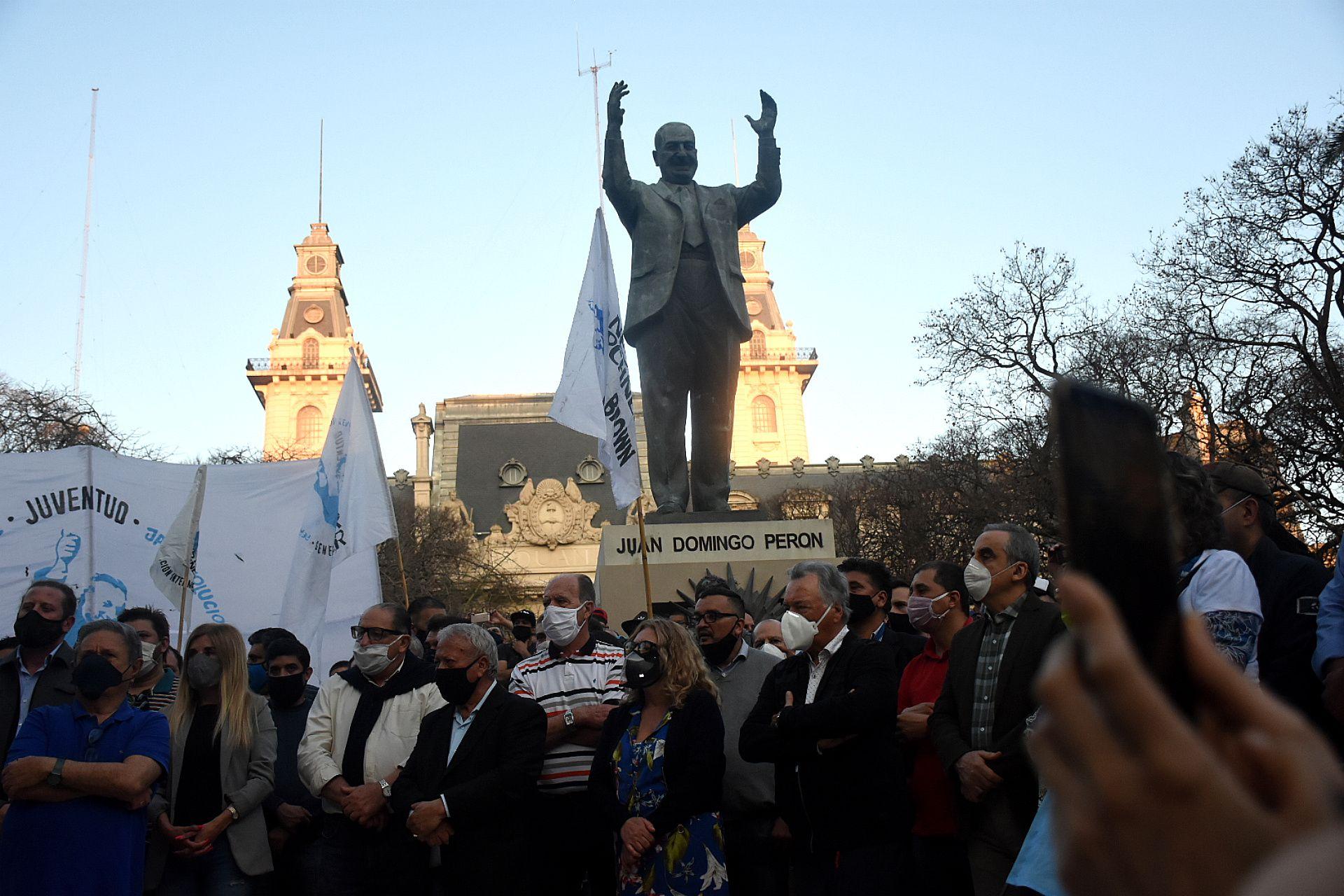 Dia de la lealtad / Monumento a Peron