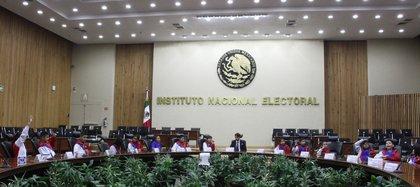 La iniciativa prevé la rotación de la presidencia del INE cada tres años. (Foto: Cuartoscuro)