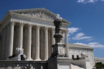 La Corte Suprema de Justicia de EEUU restringió el derecho al aborto en EEUU. REUTERS/Jonathan Ernst/File Photo